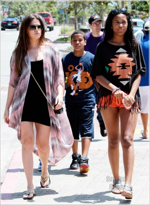 Khloe Kardashian And Her Kids Spl