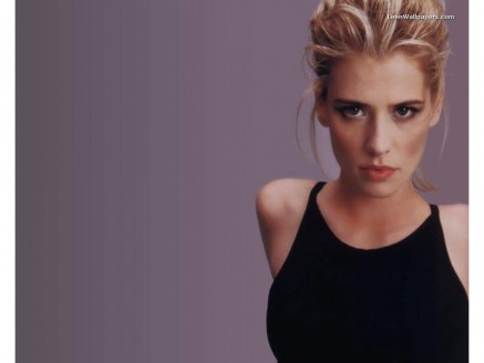 Kristy Swanson Wallpaper
