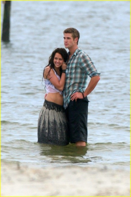 Liam Hemsworth And Miley Cyrus The Last Song