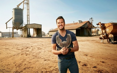 Cover Luke Bryan Farm Ftr Family