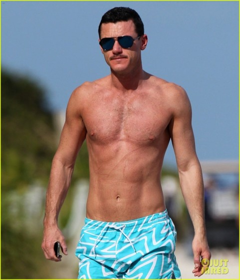 Luke Evans Shirtless Miami Boyfriend