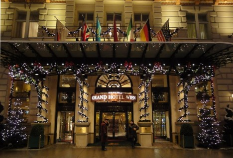 Grand Hotel Wien Front Pshop The People Front