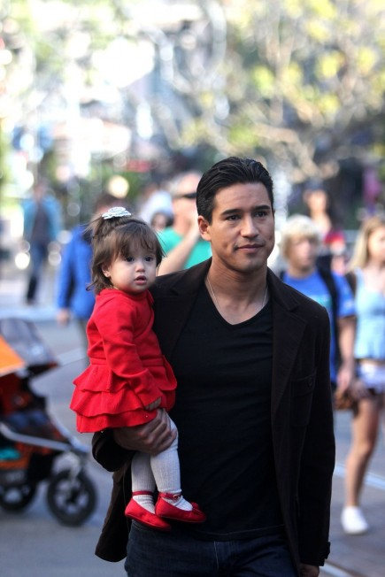 Mario Lopez Black Sweater Blac Baby