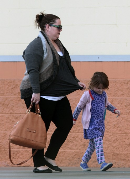 Melissa Mccarthy Gets Crafty With Daughter Vivian