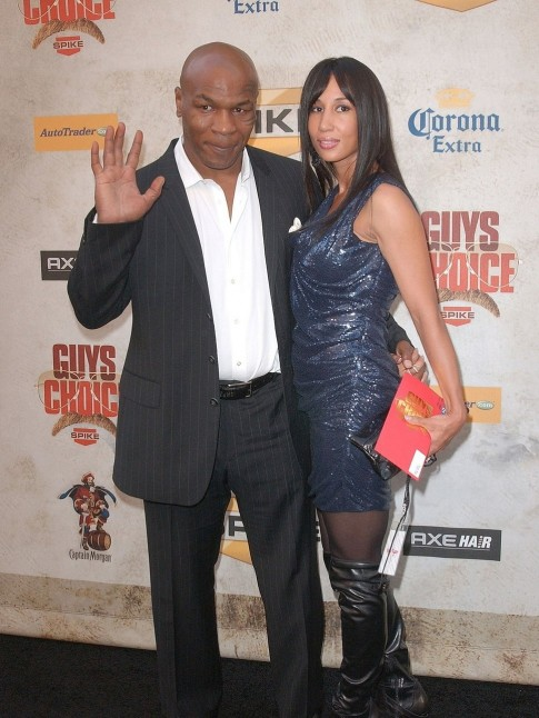 Mike Tyson With Wife Black Sui Wife