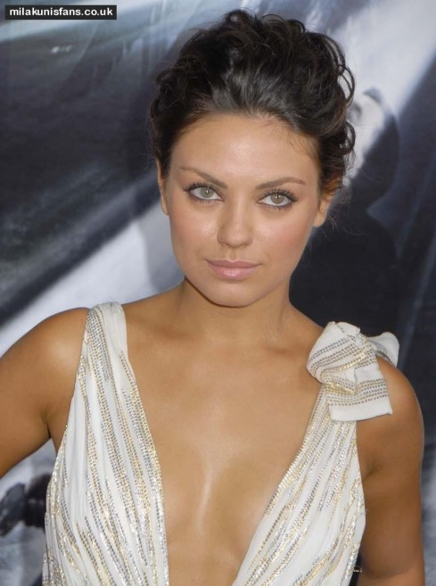 Mila Kunis Red Carpet Looks Eyes Eyes