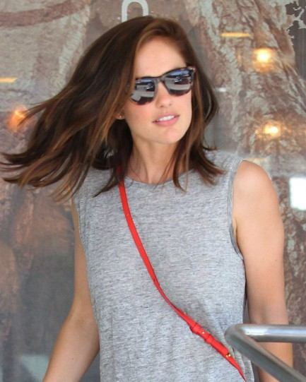 Minka Kelly Spotted While She Go Out For Shopping In La