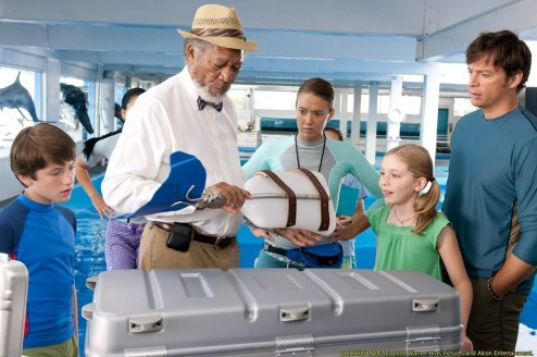 Nathan Gamble Morgan Freeman Austin Highsmith Cozi Zuehlsdorff And Harry Connick Jr Dolphin Tale