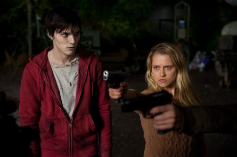 Nicholas Hoult And Teresa Palmer In Warm Bodies Warm Bodies