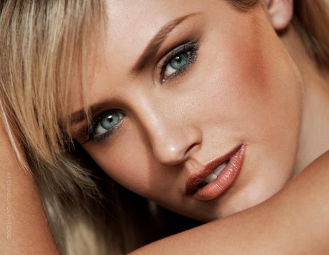 Nicky Whelan Large Picture