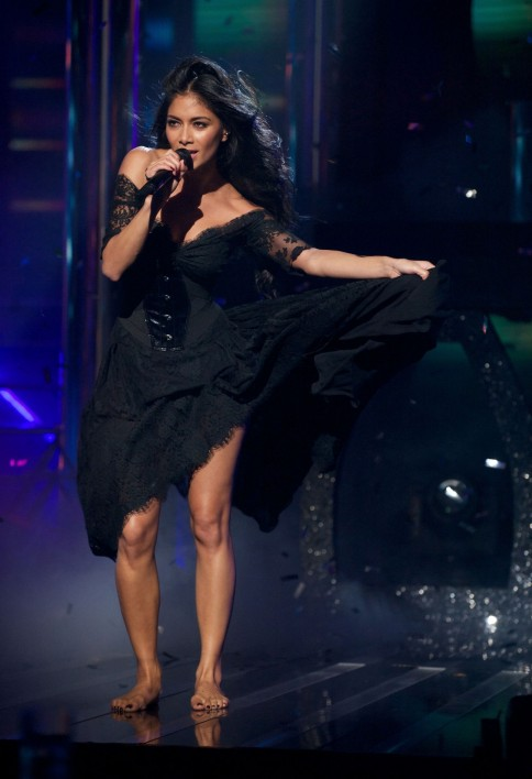 Nicole Scherzinger Performs Live At The Factor Tv
