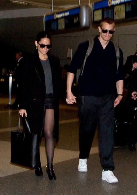 Olivia Munn And Joel Kinnaman At Lax Airport Joel Kinnaman