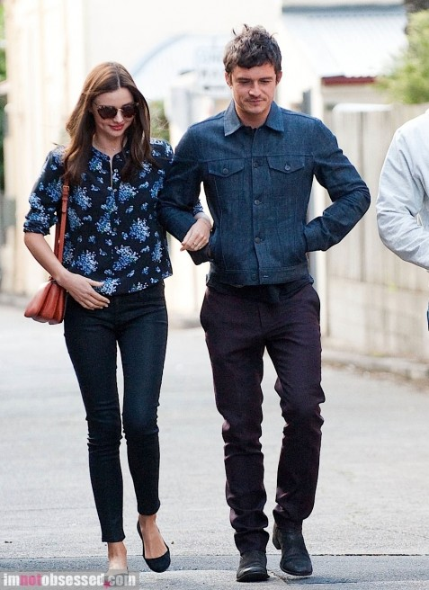 Miranda Kerr And Orlando Bloom Walk Around Sydney