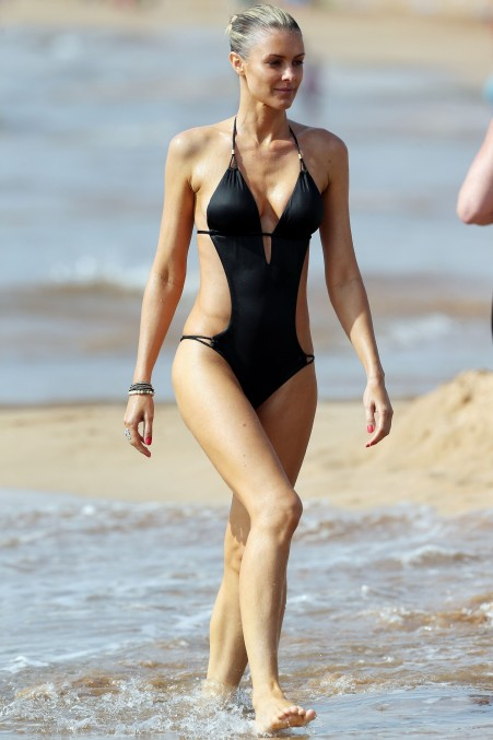 Paige Butcher Swimsuit Sexy