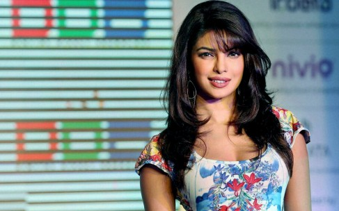 Hot Actress Priyanka Chopra Hd Wallpaper Wallpaper