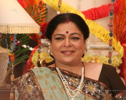 Reema Lagoo As Snehalata Family Photo