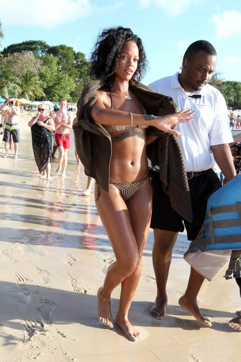 Rihanna Showed Off Incredible Bikini Body In Barbados Body