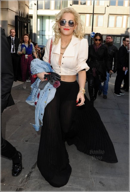 Rita Ora At London Fashion Week Spl Fashion