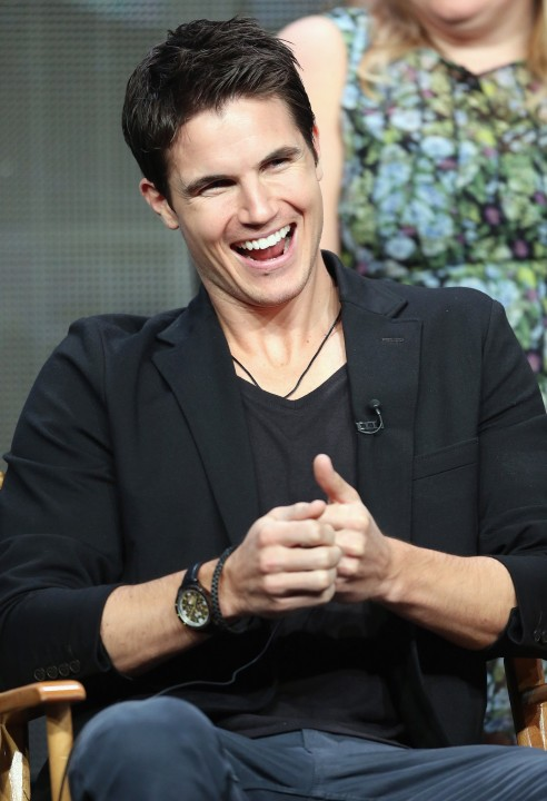 Robbie Amell Attended Panel Tomorrow People