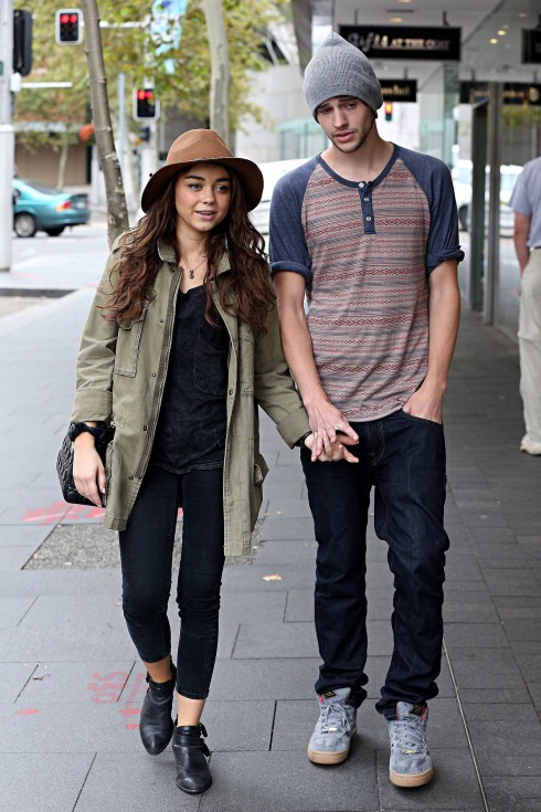 Sarah Hyland Her Boyfriend Matt Prokop Walked Around Circular Boyfriend