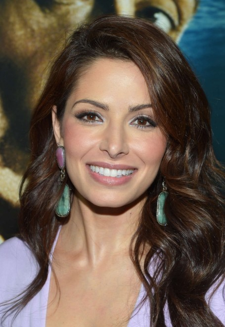 Sarah Shahi In Dress At Bullet To The Head Premiere