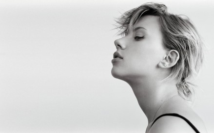 Scarlett Johansson Black White Wallpaper Wallpaper