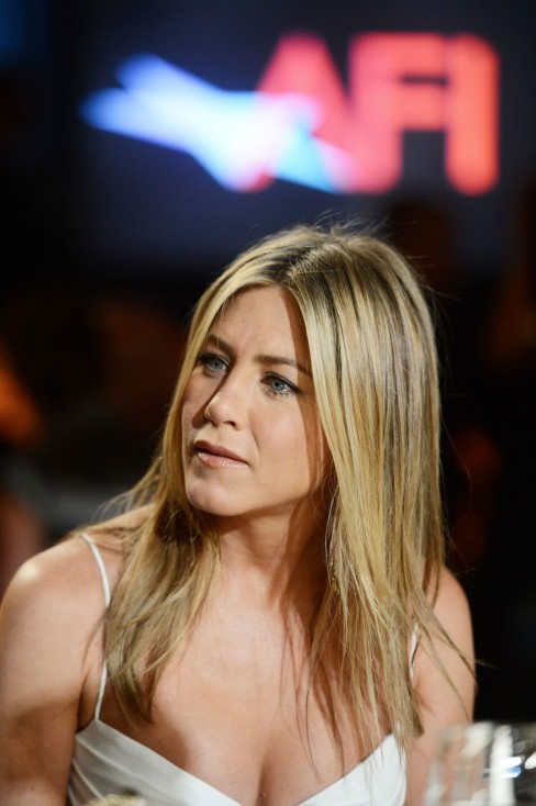 Jennifer Aniston At Afi Life Achievement Award Honoring Shirley Maclaine In Culver City
