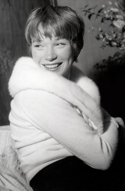 Shirley Maclaine The Apartment