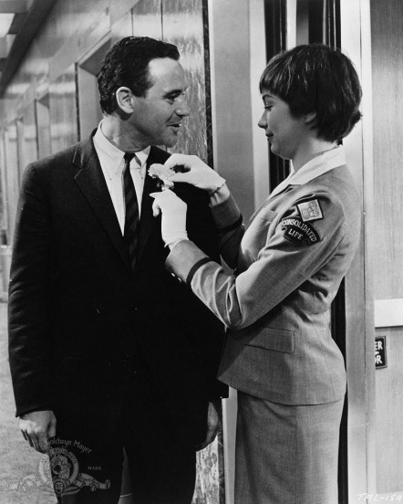 Still Of Jack Lemmon And Shirley Maclaine In Ungkarlslyan Large Picture The Apartment