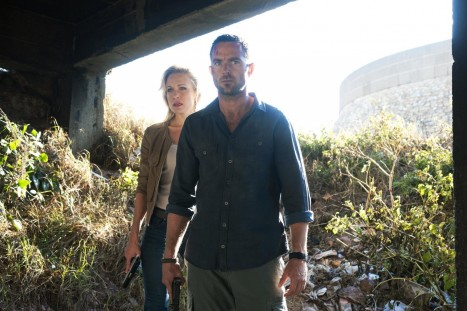 Picture Of Sullivan Stapleton And Stephanie Vogt In Strike Back Large Picture