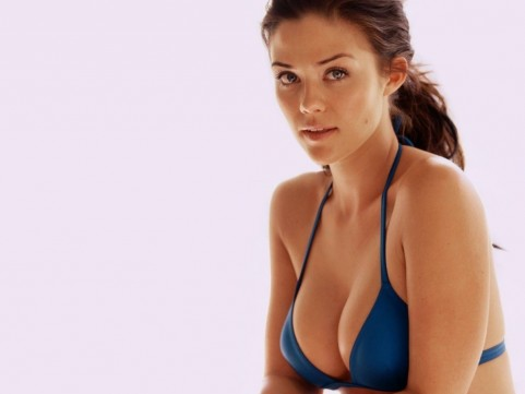 Susan Ward Wallpaper