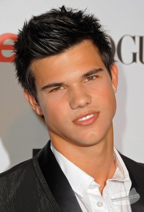 Taylor Lautner Aka Jacob Black Twilighters