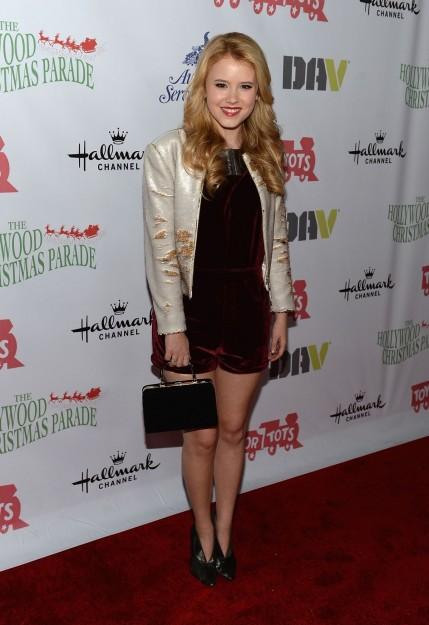 Taylor Spreitler At Nd Annual Hollywood Christmas Parade In Hollywood
