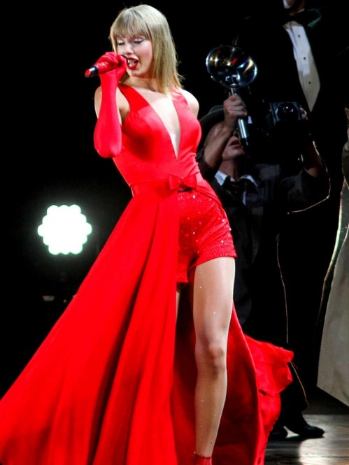 Taylor Swift Red Tour Performance Red