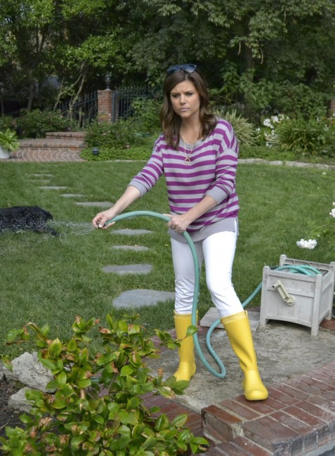 Tiffani Thiessen Wearing Crocs Wedding