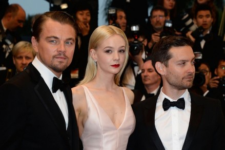 Leonardo Dicaprio Tobey Maguire And Carey Mulligan In Marele Gatsby Large Picture And Leonardo Dicaprio