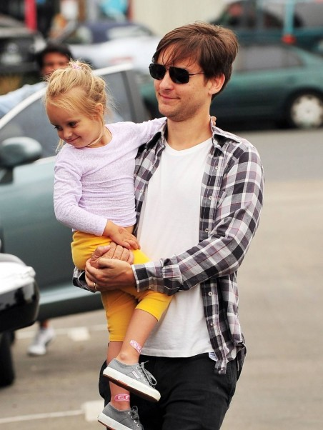 Tobey Maguire And His Daughter