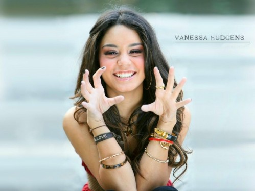 Vanessa Hudgens Cute Desktop Wallpaper