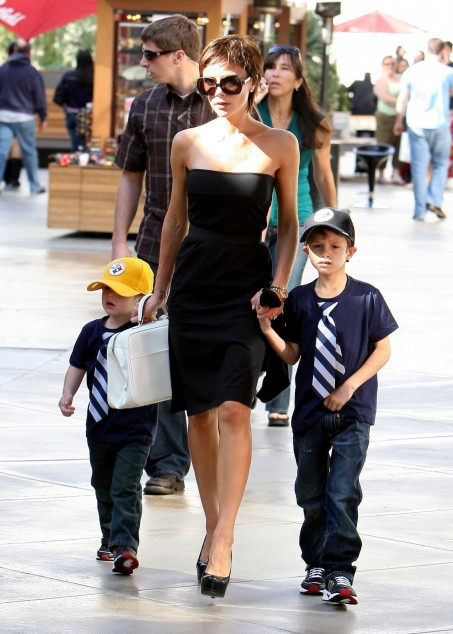 Victoria And Her Sons Romeo And Cruz Victoria Beckham