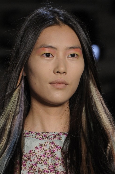 Liu Wen At Peter Som Spring Summer Nyfw