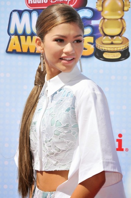 Zendaya Makeup Disney Radio Music Awards